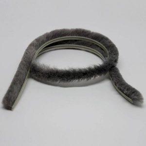 Borstel hordeur grijs